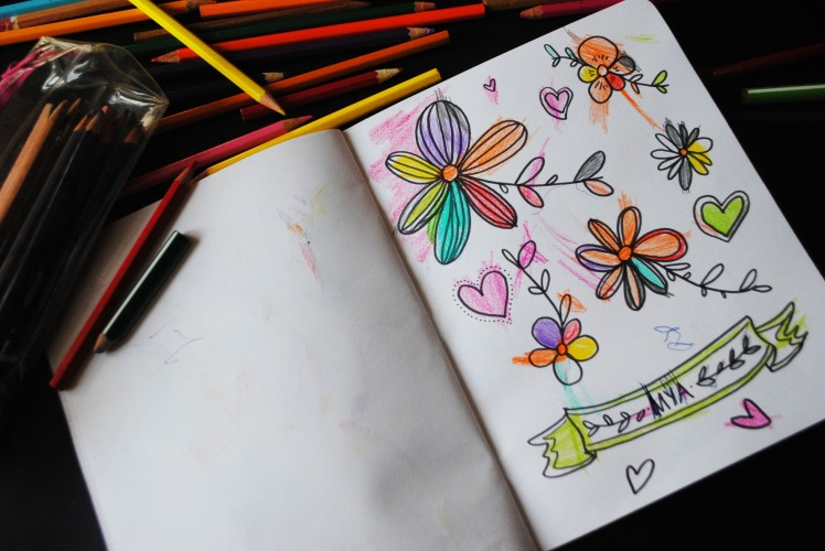 Cahier de coloriage et de dessin- MaDe en couleur Le blog 4
